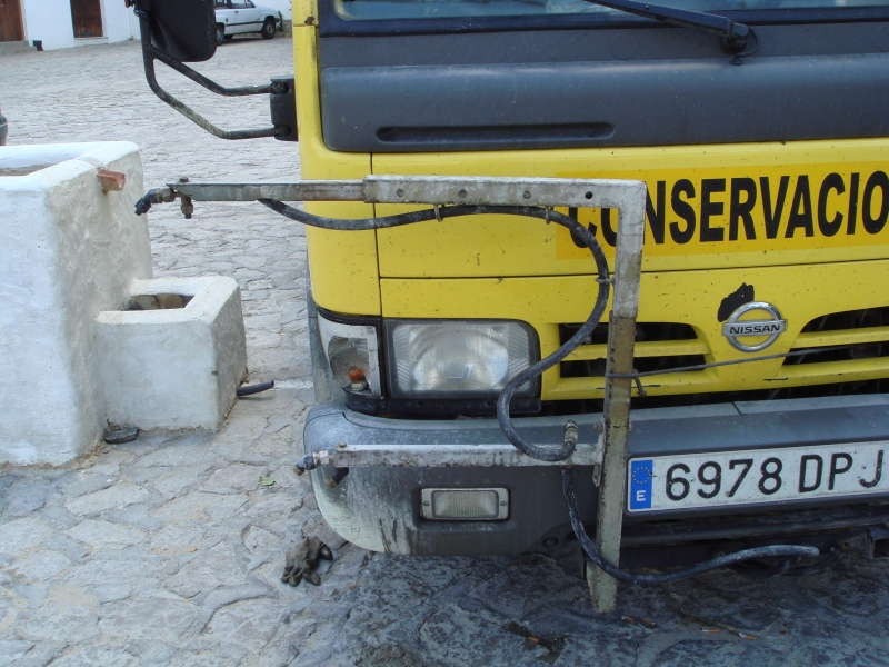 The truck that sprays herbicides in the Sierra de Grazalema